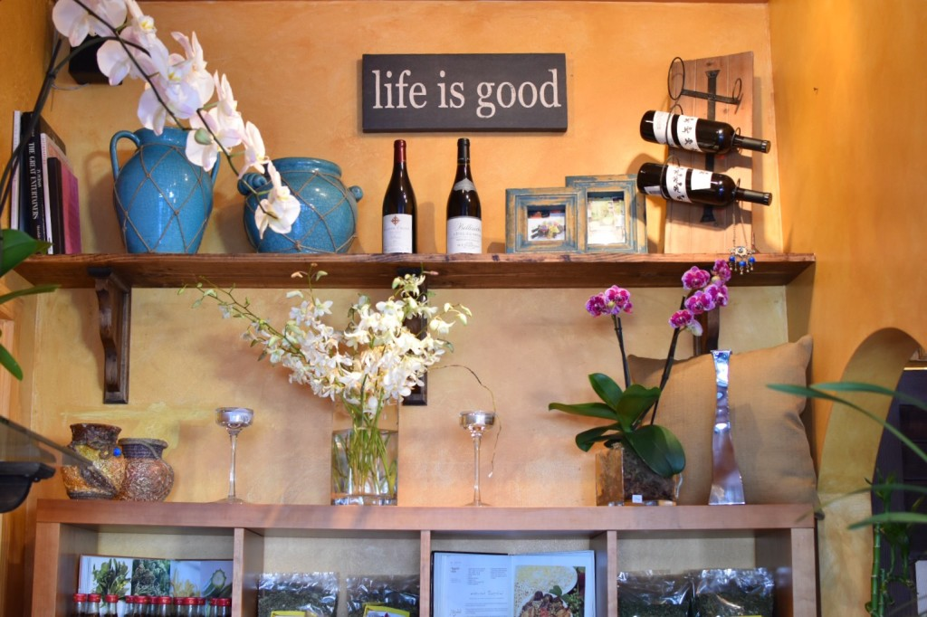 Life is good display. Can you find the evil eye pendant? | BeatsEats.com